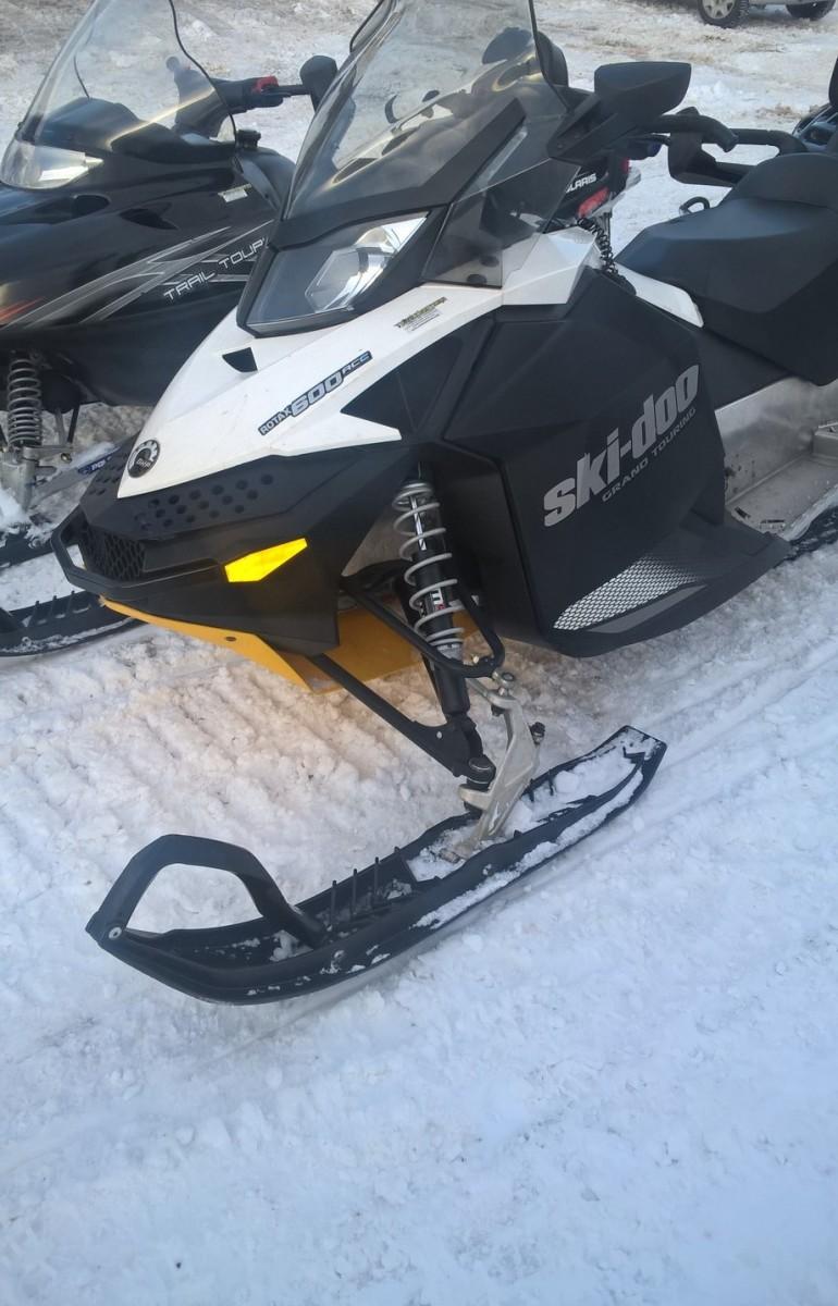 Motoslitte-SKI-DOO-foto-7